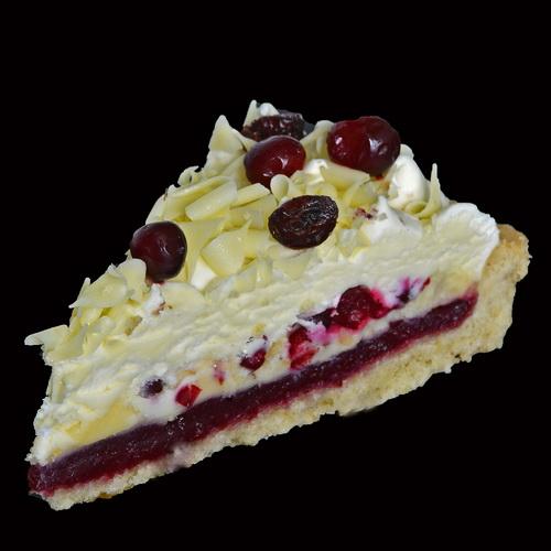 Брусничное пирожное