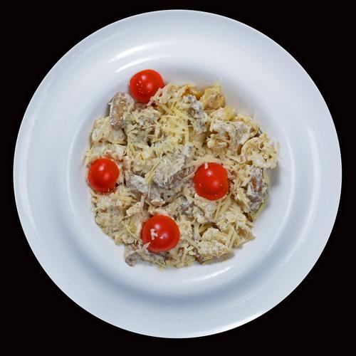 Фарфалле с белыми грибами