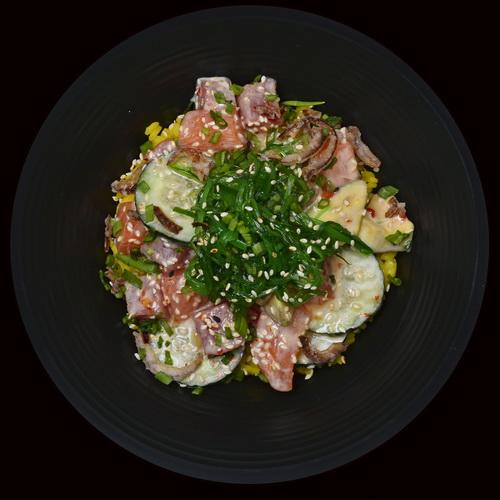 Поке с лососем и тунцом