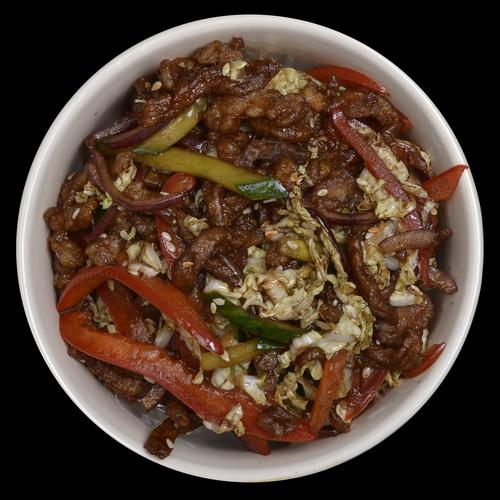 Тайский салат со свининой