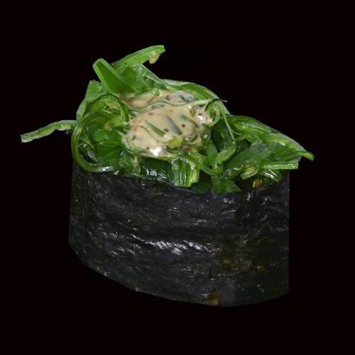 Гункан с салатом Чука