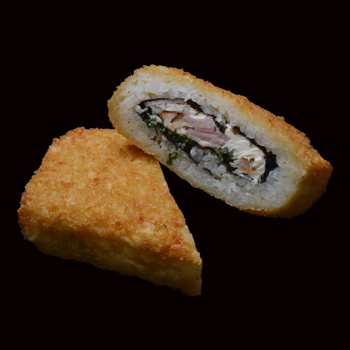Суши-сендвич с курицей и беконом